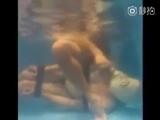 Gasmask Underwater