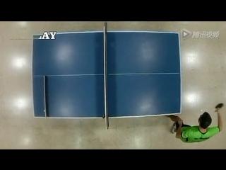 Необычный трюк в настольном теннисе.