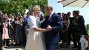 Владимир Путин вкачестве гостя посетил свадьбу министра иностранных дел Австрии Карин Кнайсль