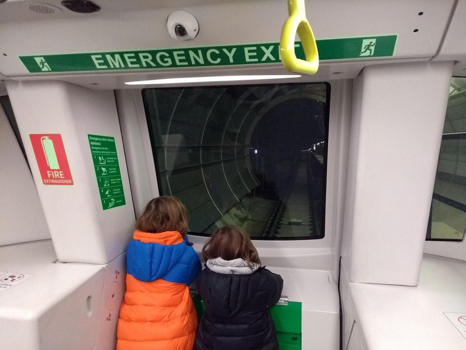 В Сиднее открылось метро.