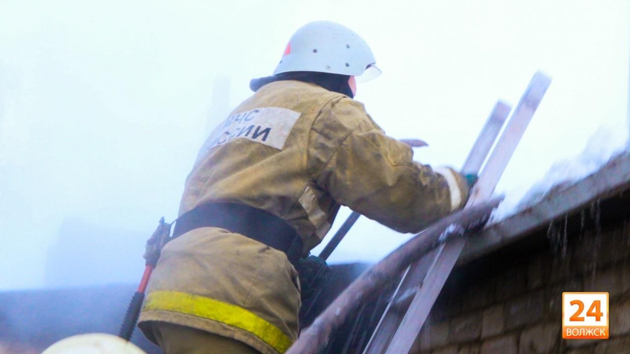 В Волжске произошел пожар в многоквартирном доме
