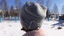 Вязаная шапка с бантикомУдлиненная женская шапка спицами