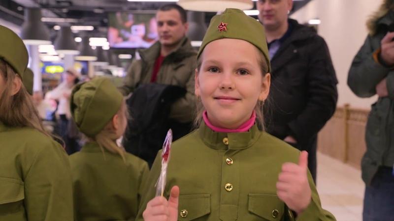 Как стать сильным и смелым защитником показали 23 февраля на сцене фуд корта ТЦ Муравей