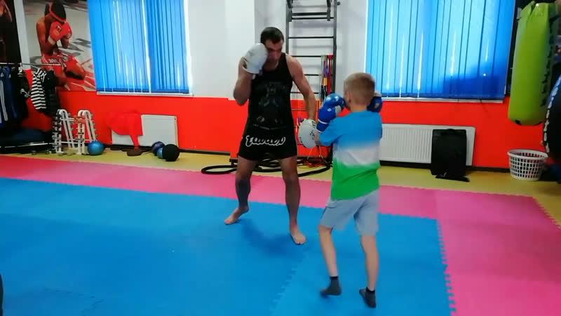 Тренировки по тайскому боксу детям
