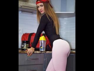Female Fitness Motivation - Alina Sukrut_2 - personal trainer