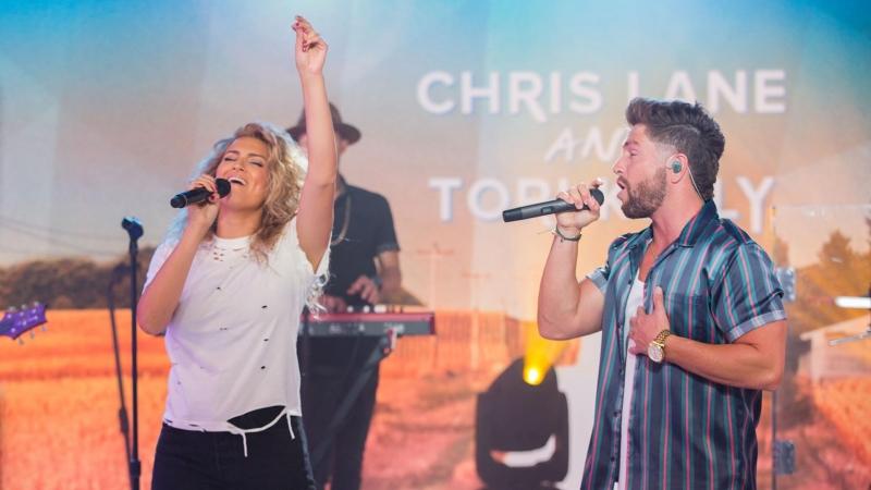 Chris Lane Tori Kelly - 'Take Back Home Girl' live on TODAY