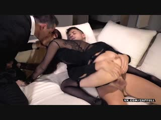 My wife loves to get fucked by a strange...m capfull (720p).mp4