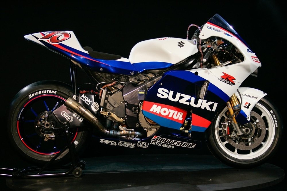 Развитие прототипов Suzuki GSV-R > GSX-RR (2002 - 2019)