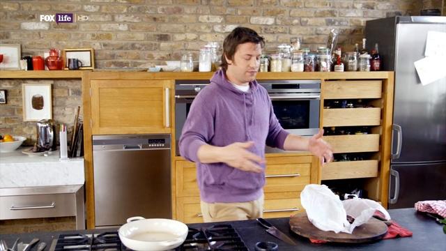 Обеды за 30 минут от Джейми 2 сезон: 15 серия. Морской окунь / Lunches 30 minutes from Jamie (2011)