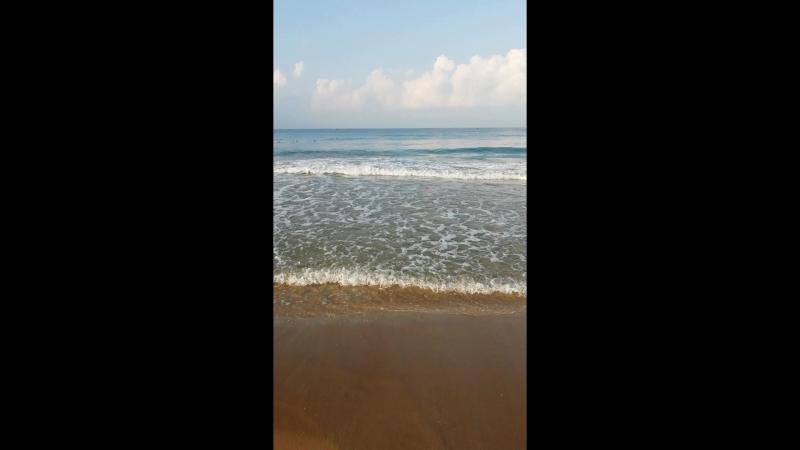 Море. И выслушает... и успокоит...