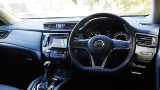 NEW 2018 NISSAN X-TRAIL - Interior and Exterior