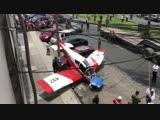 В столице Перу самолет рухнул на автомобиль