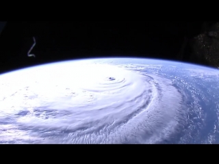 """NASA опубликовало  видео урагана """"Флоренция"""" из космоса"""