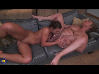 Italian mature lesbian has sex with a hot young babe - http://www.vidz7.com