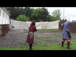 Стрельба из лука по движущейся цели поляки стреляют 2 д и это классно