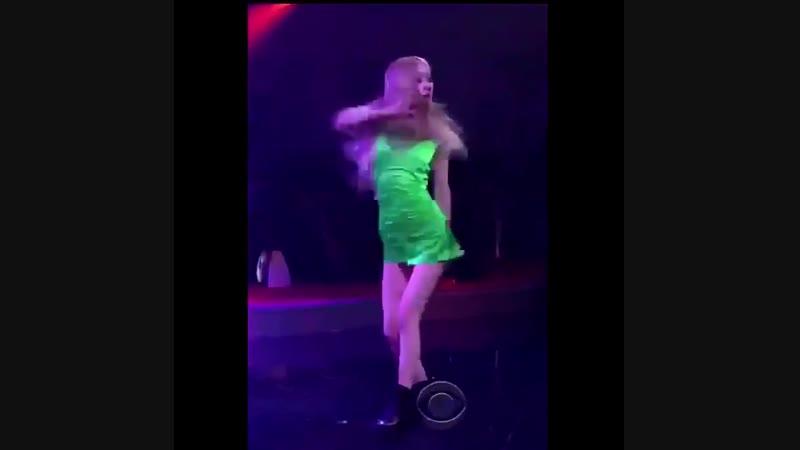 That fcking hip movement MAMA IM DIZZY - - - BLACKPINKonLSSC -
