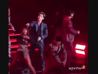 jungle choreo will always remind me how flexible changmin hip is how good his hip isolatio