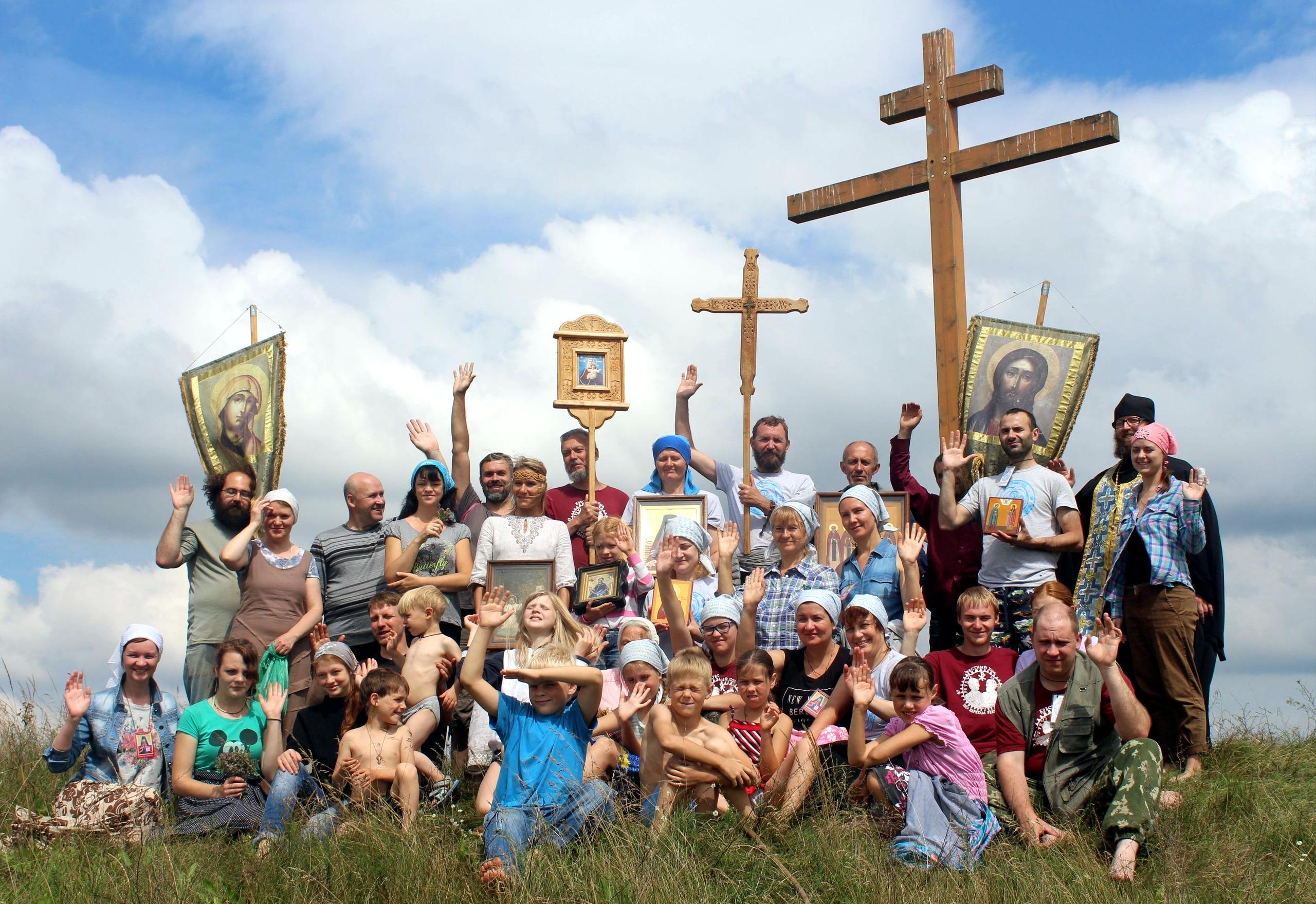 Молодежный крестный ход по берегам реки Тьмы