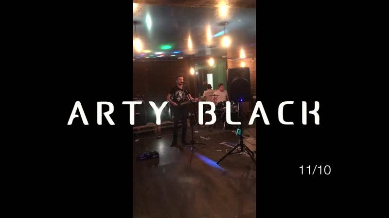 Arty Black live in Mooncake 08 06 19