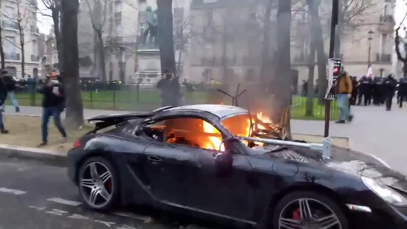 🔺DIRECT INFO🔻 Porshe en feu place des États-Unis