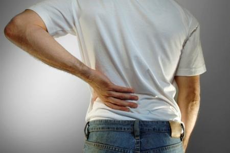 Каковы наиболее распространенные причины болей в животе и пояснице?
