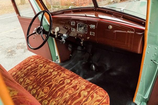 Очень редкие : 1937 Terraplane De Luxe Тип кузова: 2-door coupe Двигатель: I6 3.5 L Мощность: 96 л.с. КПП: МКПП-3 Привод: задний Компоновка: переднемоторная Тип топлива: бензин Страна марки: США