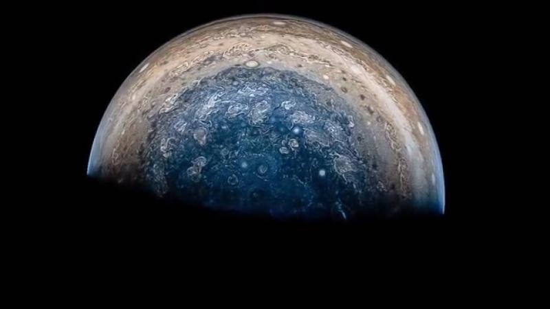 Пролетая над Юпитером