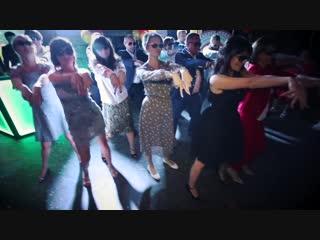 Сюрприз Родителей на Выпускной_танец