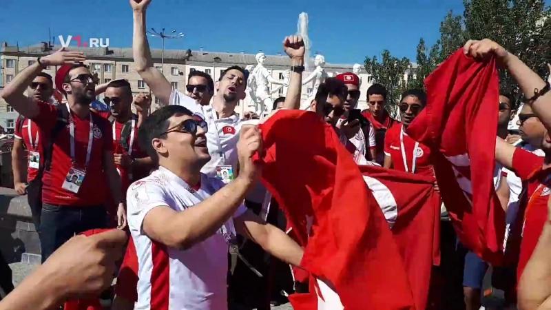 Фанаты из Туниса устроили танцы на вокзале