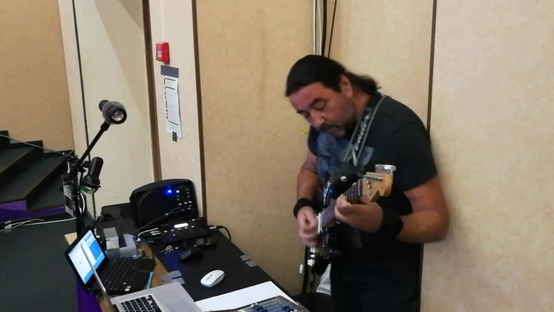 Константин - звукорежиссёр и виртуоз-гитарист!