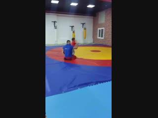 шпагатудетей#Учимсяделатьколесо#Детскаяразминка#Детскийспорт#АрмейскийРукопашныйбой#СмешанныеЕдиноборства#ДетскийСпорт##Трениров