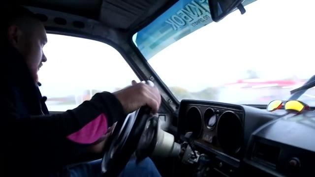 БОЕВАЯ БАРЖА Сombat Barge GAZ 24 VAGON on V8 ДРИФТ НА ТЕПЛИЦЕ