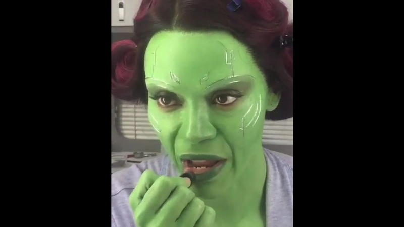 Zoe Saldana Applying Green Lipstick for Gamora in Avengers: Endgame