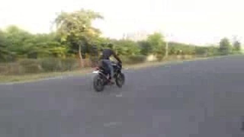 [v-s.mobi]Zamil Zamil Song Arabic Music-Bike Stunt.3gpp
