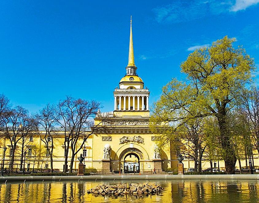ux3NsvkEduY Сенатская площадь в Санкт-Петербурге.