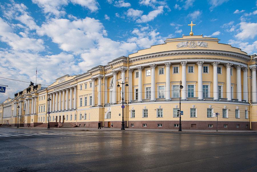 JH1cgik-qmY Сенатская площадь в Санкт-Петербурге.