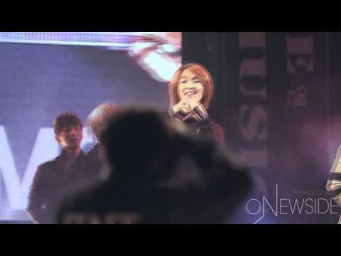 [fancam] 101016 SHINee onew gives heart @ Love Sharing Concert
