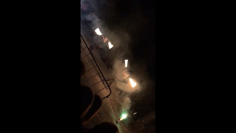 Фаэр-шоу на Десне в праздник Плавающих фонариков