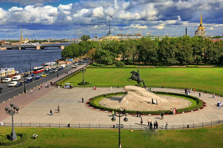 FoHanZuQFro Сенатская площадь в Санкт-Петербурге.