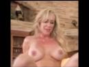 Горячая мамашка мастерски трахается (кончает оргазм masturbate orgasm sexy erotic) #киска #дрочит #мастурбирует