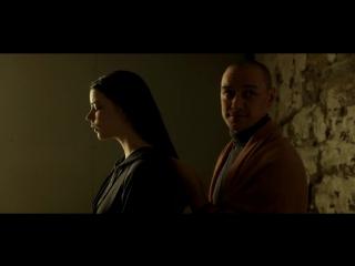 Джеймс МакЭвой мастерски играет женщину Сплит 2016