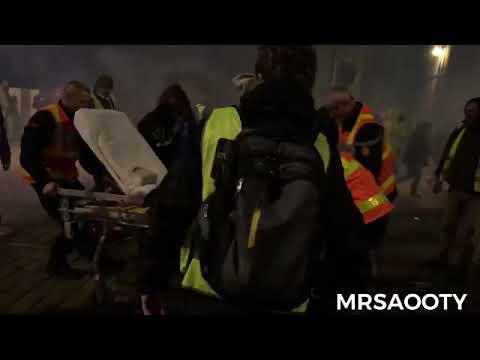Gilets jaunes les pompiers gazés par la police à Dijon