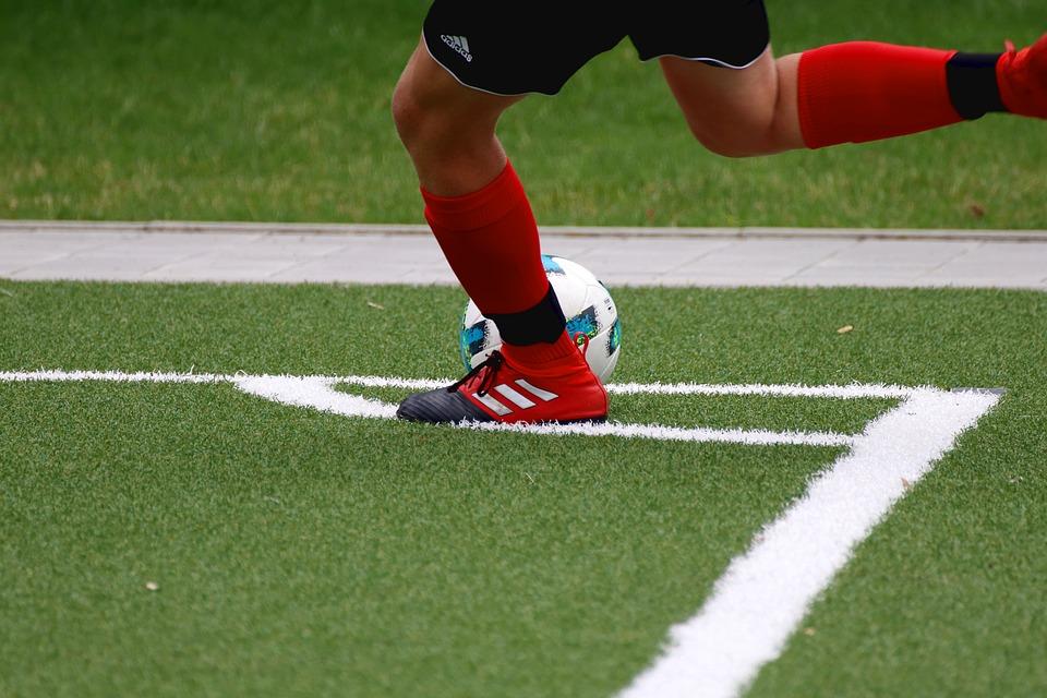 Дошкольников из Бибирева познакомили с миром футбола