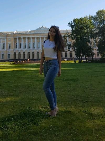Саша Погорелова