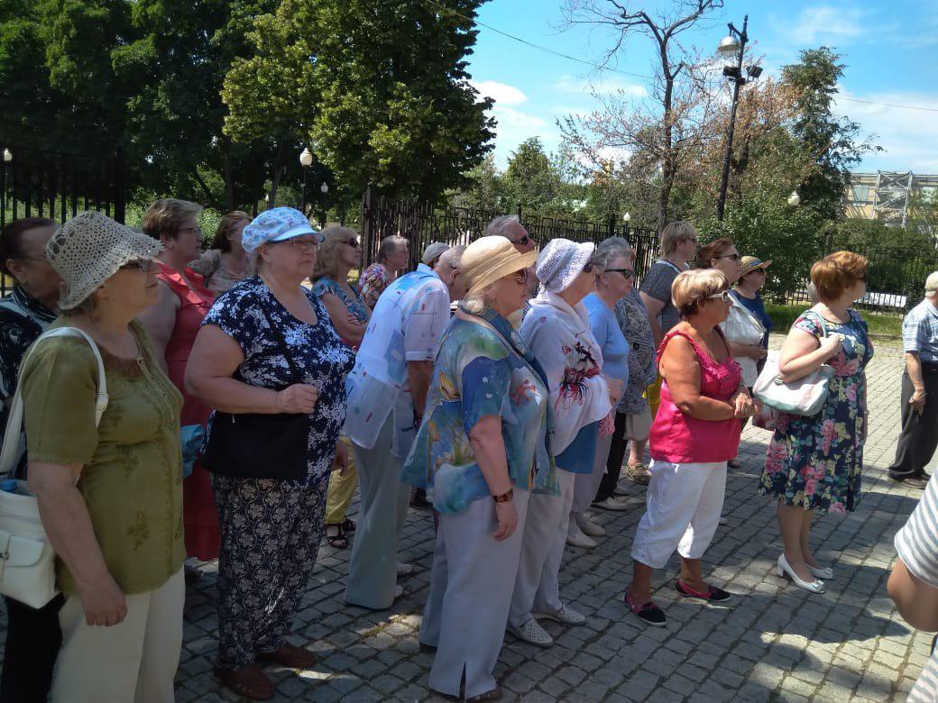 Активные пенсионеры из Бибирева побывали на экскурсии «Москва готова удивлять»