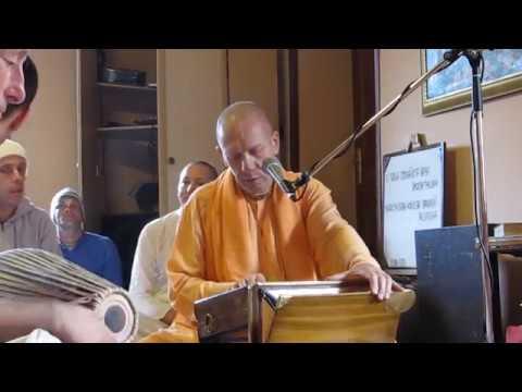 HH Bhaktivaybhava Swami   Kirtan   March 11. 2018