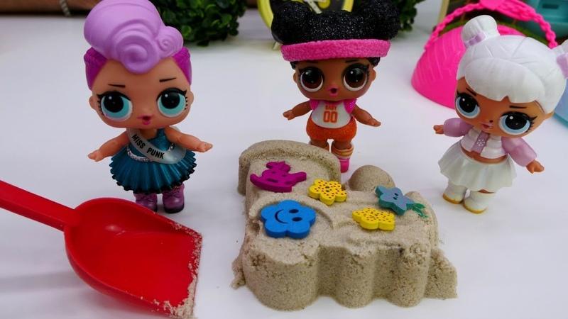 Vidéo pour enfants de la Garderie de Romain № 29 : Poupées et jeux avec le sable