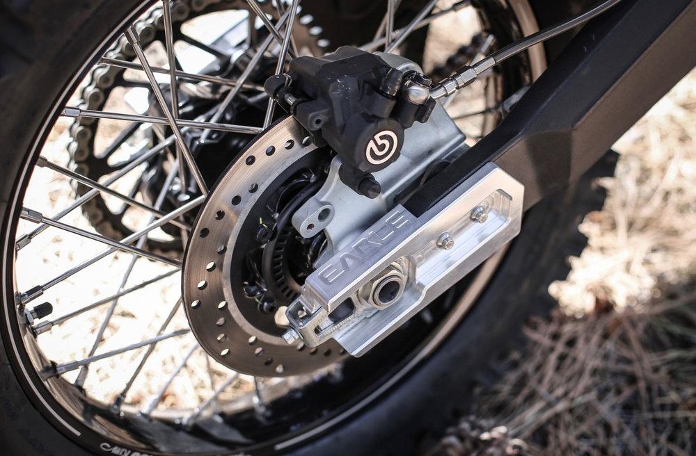 Earle Motors: кастом турэндуро Scrambler Ducati Desert Sled