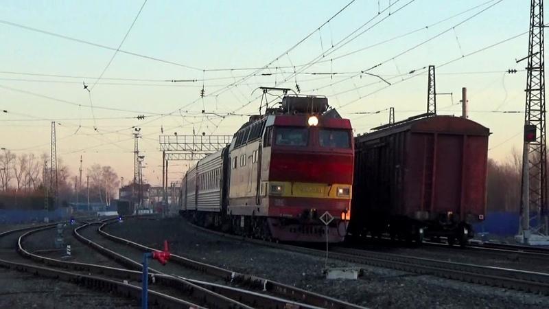 ЧС4т-236 с пассажирским поездом. Отправление со станции Вязники в сторону Владимира