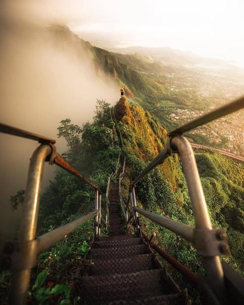 Лестница Хайку (Остров Оаху, Гавайи)